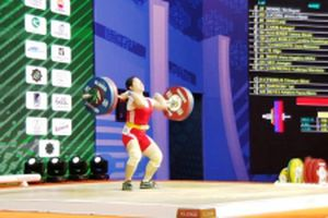 Cô gái Giáy giành Huy chương Bạc cử tạ thế giới