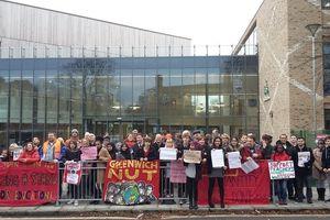 Anh: Đình công phản đối sắp xếp lại trường học