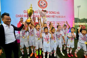 Cúp bóng đá Song Hà - Chắp cánh ước mơ sân cỏ