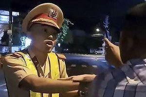 Thiếu úy CSGT đang làm nhiệm vụ bất ngờ ngã ngửa nói gì?