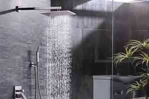Cảnh giác với căn bệnh nguy hiểm khi tắm vòi sen