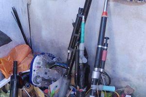 Clip: Điều tra vụ trộm, công an phát hiện 'kho hàng nóng'