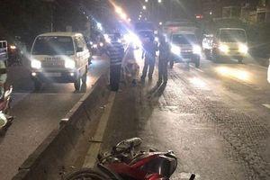 Tông vào cục đá bên đường, người đàn ông đi xe máy chết thảm
