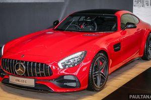 Cận cảnh siêu xe Mercedes-AMG GT C, giá 8,2 tỷ