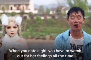 Người đàn ông Trung Quốc sống cùng 11 búp bê tình dục xinh như thiên thần