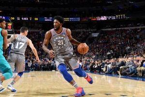 J.Embiid tiếp tục có một ngày thi đấu 'không thể cản phá', dẫn dắt 76ers chiến thắng Hornets ở hiệp phụ với 42 điểm