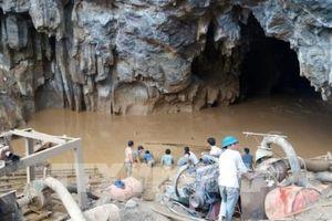 Tìm thấy một nạn nhân vụ tai nạn sập hang khai thác vàng trái phép ở Hòa Bình