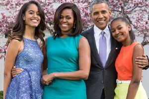 Michelle Obama tiết lộ hai cô con gái hiện tại là 'sản phẩm' của thụ tinh trong ống nghiệm