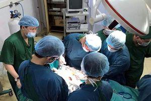 Bé trai ở Long An bị đột quỵ hiếm gặp khi mới 5 tuổi, nhập viện vì co giật đột ngột