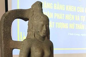 Khen thưởng 75 triệu đồng vì hiến tặng tượng nữ thần cổ 7,5 tỷ