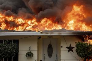 Cháy rừng lớn ở California, ít nhất 9 người thiệt mạng