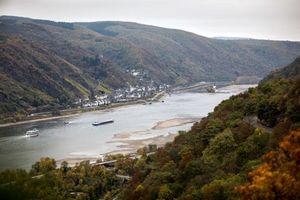 Đức: Giao thông đường thủy bị tê liệt bởi hạn hán