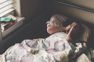 Ngủ nướng vào buổi sáng, coi chừng mắc chứng trầm cảm