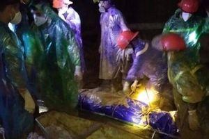 Hòa Bình: Đã tìm thấy một thi thể nạn nhân mắc kẹt trong hang vàng