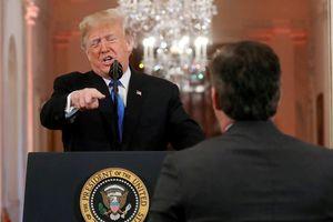 Tổng thống Trump và truyền thông: Cuộc chiến đang đi quá xa?