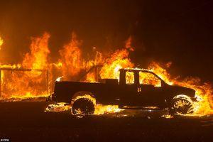 Hãi hùng cảnh cháy rừng giống 'bom hạt nhân phát nổ' ở California, Mỹ