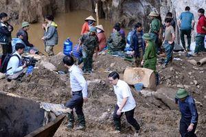 Đã tìm thấy thi thể của một trong hai phu vàng bị mắc kẹt trong hang