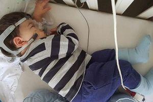'Rớt nước mắt' với cậu bé 'có thể ngừng thở trong giấc ngủ' nhưng vẫn giúp bố mẹ gây quỹ hơn 30 triệu