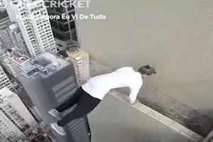 Anh chàng thử thách thần chết trên đỉnh cao ốc chọc trời
