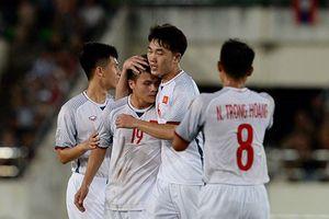 Các tuyển thủ Việt Nam xử lý cơn ác mộng xin vé trận gặp Malaysia