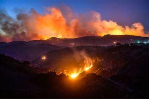 Nước Mỹ náo loạn vì vụ cháy rừng 'hủy diệt nhất' California