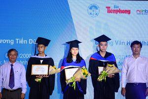 65 thủ khoa nhận học bổng 'Nâng bước thủ khoa 2018'