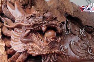 Đổ xô đi ngắm bộ Kỳ mộc hình Rùa Hồ Gươm gần 4 tỷ