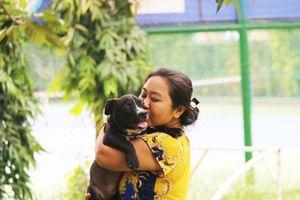 Người Sài Gòn chơi chó ngoại: Trắng đêm đỡ đẻ, khóc đến... nghỉ làm vì chó mất
