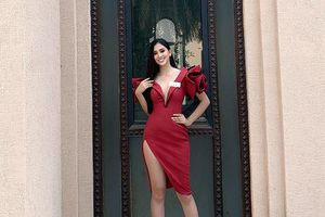 Tiểu Vy ghi điểm trong ngày đầu ở Miss World với váy đỏ rực gợi cảm