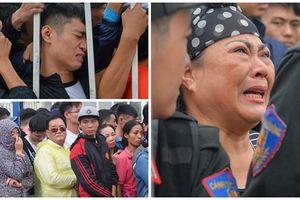 Trận Việt Nam và Malaysia - Xếp hàng hay mua vé chợ đen
