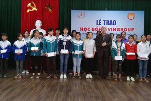 Thanh Hóa: Trao học bổng Quỹ Thiện Tâm cho học sinh vượt khó học giỏi