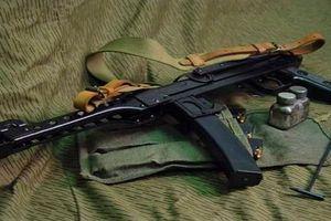 Hà Tĩnh: Mang súng tiểu liên dọa bắn hàng xóm sau chầu nhậu