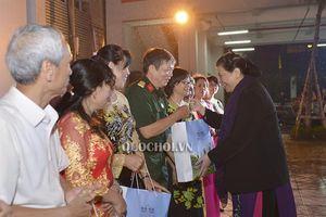 Phó Chủ tịch Thường trực Quốc hội Tòng Thị phóng dự Ngày hội Đại đoàn kết tại phường Thụy Khuê