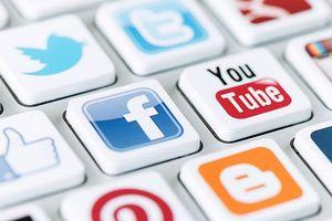 Quản người học trên mạng xã hội: Sao cho ổn!