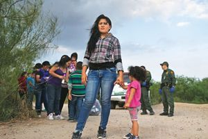Trump thắt chặt nhập cư, người di cư vẫn đổ về biên giới Mỹ