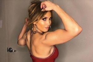 Điểm lại những lần khoe hình thể nóng bỏng của Jennifer Lopez