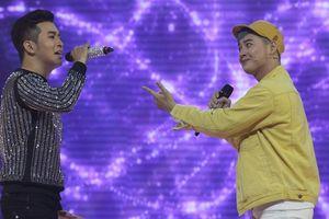 Song ca với nhà thiết kế thời trang, Thanh Duy khóc thét vì hit triệu lượt nghe bị phá nát