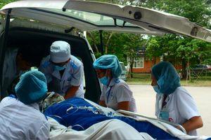 Anh thiệt mạng, em nguy kịch nghi ngộ độc thực phẩm ở Quảng Ninh