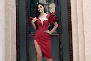 Hoa hậu Trần Tiểu Vy diện váy cắt xẻ táo bạo cho hoạt động tại 'Hoa hậu Thế giới 2018'