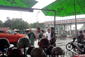 Chủ tịch UBND Đà Nẵng đích thân đi quay clip, xe dù, 'cò' khách vẫn vô tư hoạt động