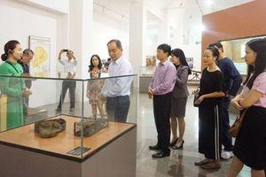 Thứ trưởng Lê Khánh Hải tham quan Bảo tàng tỉnh Đắk Lắk