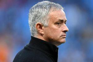 Mourinho cay đắng: 'M.U không xuống hạng được đâu'