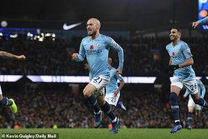 Thi đấu nhàn nhã, Man City đè bẹp Man United trong trận derby