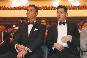 Messi và Ronaldo bị 'đá' khỏi top 3 Quả bóng vàng 2018 sau 1 thập kỷ thống trị