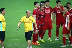 Tin AFF Cup 2018 ngày 12.11: Tuyển Việt Nam ép cân đấu Malaysia; Xuân Trường sáng cửa trở lại Hàn Quốc