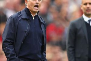 M.U thua ê chề ở trận derby Manchester, HLV Mourinho nói gì?