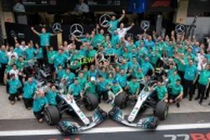 Hamilton giúp đội Mercedes lập cú đúp vô địch Công thức 1 mùa 2018