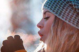 Vì sao trời lạnh lại đi tiểu nhiều hơn?