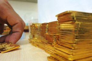Đầu tuần, giá vàng vẫn 'chạm đáy'