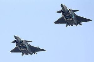 Trung Quốc lần đầu khoe vũ khí của tiêm kích J-20